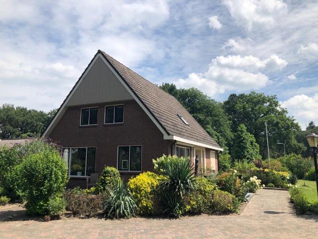 Bed and Breakfast Lettele Afbeelding huis, bungalow, tuin, terras, oprit B&B Kanaalzicht Averlinde